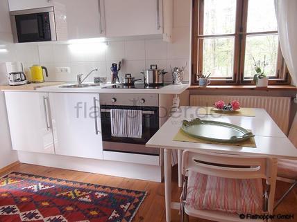 Bild 4 FLATHOPPER.de - Charmante, neu renovierte und ruhige 2-Zimmer- Wohnung mit Sonnenterrasse im Vorgar