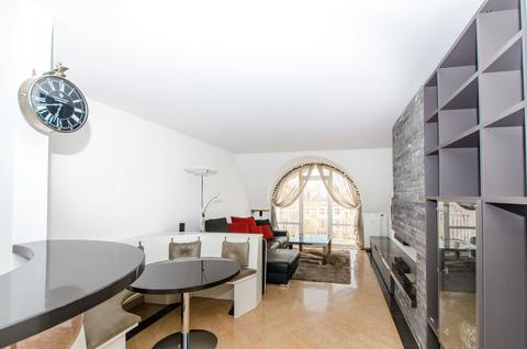 Wohnzimmer Lehel - Dachgeschosswohnung der besonderen Art