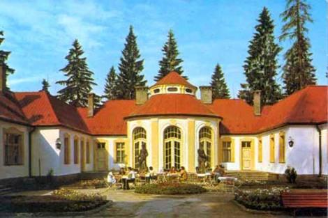 N1430415_mvc-001f.jpg Prächtiges Schloss in wunderschöner Natur