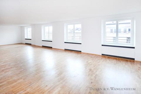 großer Raum Büroflächen / ShowroomflächenBestlage – Maximilianstraße