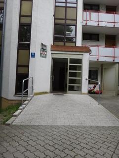Zugang Haus gepflegtes Appartement mit Balkon Nähe MAN zu verkaufen