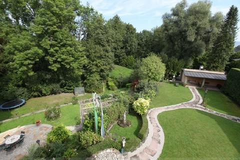 Uneinsehbares Park-Grundstücl Wohntraum historisches Schlössel am Ammersee, kernsaniert, auf 5.000 qm uneinsehbarem Grund