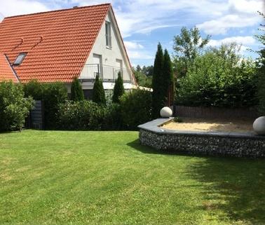 Idyllischer Garten Schicke Doppelhaushälfte mit schönem großem Garten