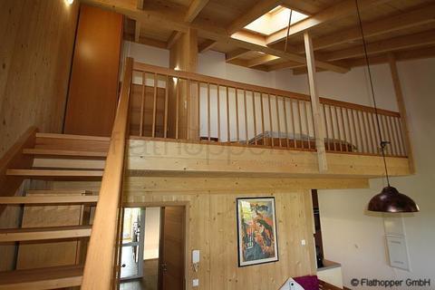 Bild 6 FLATHOPPER.de - 1,5 Zimmer-Galerie-Wohnung im Holzhaus mit Balkon -  bei Otterfing