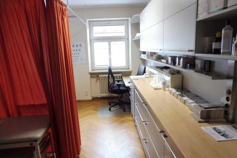 Labor (1.OG) Helle Praxis- od. Büroräume im Zentrum, 290m² Nutzfl. über 2 Etagen, Dachterrasse, ab 1.1.2022 frei!
