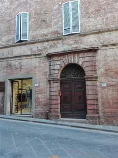 Hauseingang FRÜHLINGSPREIS: SLOW Città - Umbrien - Wohnen im mittelalterlichem Haus