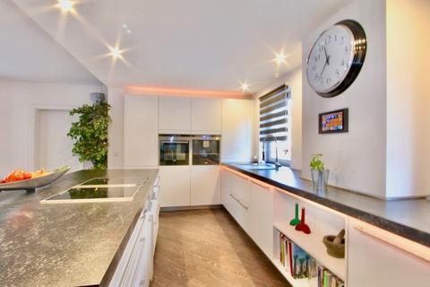 Einbauküche Ideale Kombination Wohnen und Arbeiten - klassisches Einfamilienhaus in schöner ruhiger Lage