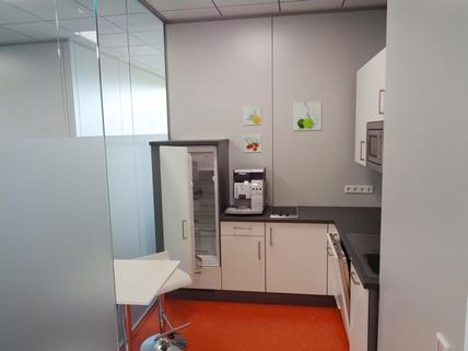 Teeküche STOCK - Moderne Bürofläche zum unschlagbaren Preis-Leistungsverhältnis!