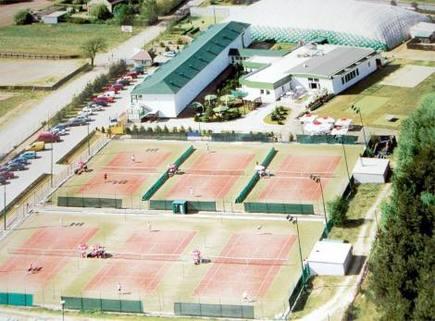 PPL0078_mvc-001f.jpg Hotel und Tenniscenter