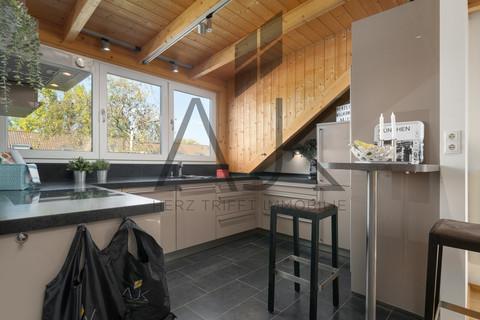 Kochen mit Bar großzügiges MansardenUNIKAT mit 2 Schlafzimmern auf ca. 92 qm im grünen Untermenzing