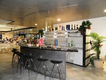 Bar Große Verkaufs- und Ausstellungsfläche im mittleren Zillertal