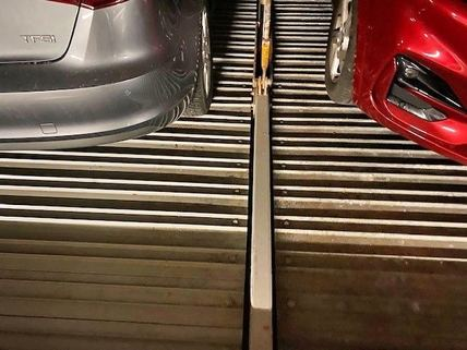 neue Fahrbleche zwei Tiefgaragenstellplätze in München-Giesing