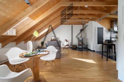 Living mit Kaminofen großzügiges MansardenUNIKAT mit 2 Schlafzimmern auf ca. 92 qm im grünen Untermenzing