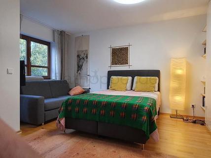 Bild 1 FLATHOPPER.de - Gemütliches Apartment mit Wintergarten in Rosenheim