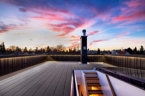 Dachterrasse (Teilillustration) Erstbezug: Penthouse mit Design-Interieur und Rooftop-Terrasse