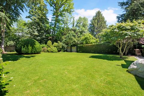 Garten Modernes Familiendomizil mit ca. 269 m² und Traumgarten