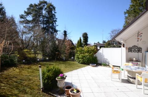 Terrasse und Garten Waldtrudering: Gepflegte Doppelhaushälfte, absolut ruhig gelegen