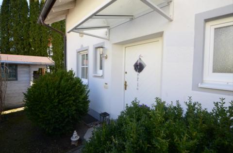 Eingang Waldtrudering: Gepflegte Doppelhaushälfte, absolut ruhig gelegen