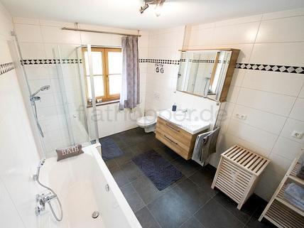 Bild 6 FLATHOPPER.de - Hochwertige 2-Zimmer-Wohnung mit Südbalkon und Bergpanoramablick- Egling