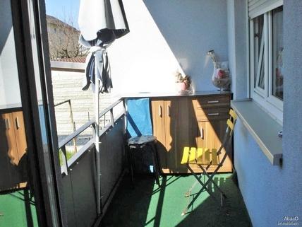 Balkon + Schlafzimmerfenster Hier wohnt Ihr Geld ertragsreich!!