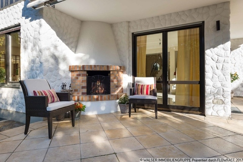 Terrasse mit Kamin WALSER: Großzügiges, top-gepflegtes Einfamilienhaus in Oberhaching