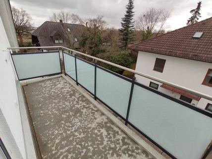 Ballkon Erstbezug: Dachterrassenwohnung mit Galerie und exkl. Marken-Einbauküche!