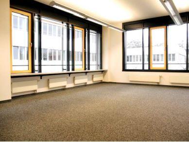 Innenansicht STOCK - Helle Büroflächen im Münchner Osten