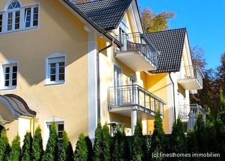 Außenansicht Haus im Haus mit Altbaucharme und Gartenanteil - komplett renoviert - schöne Lage / Menterschwaige