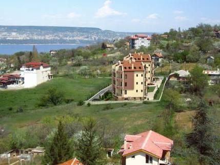 N13410002_mvc-001f.jpg 5-stoeckiges Gebaeude-Stadt Varna - Gegend Selenika - Neubau
