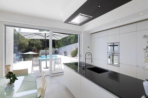 Kitchen 2 Wunderschöne zeitgenössische Villa in Andora - ITA