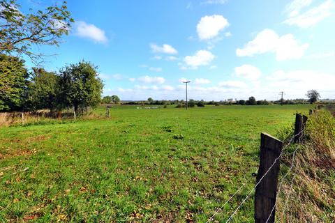 Der ruhige und idyllische Feldrand Großes Grundstück mit individueller Bebauungsmöglichkeit!