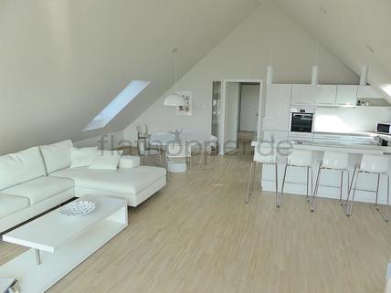 Bild 2 FLATHOPPER.de - Exklusive, lichtdurchflutete 3,5-Zimmer-Dachgeschoss-Wohnung mit Dachterrasse in St
