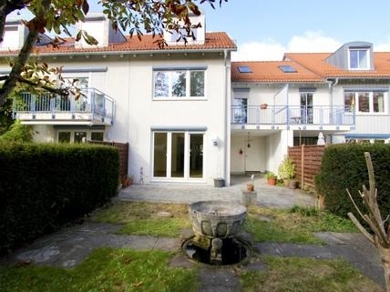 Außenansicht Gartenseite Familienfreundliches, großzügiges Reihenmittelhaus in schöner, ruhiger Lage Ottobrunn/Riemerling