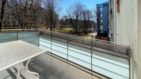 Balkon Hochwertig ausgestattete Balkonwohnung