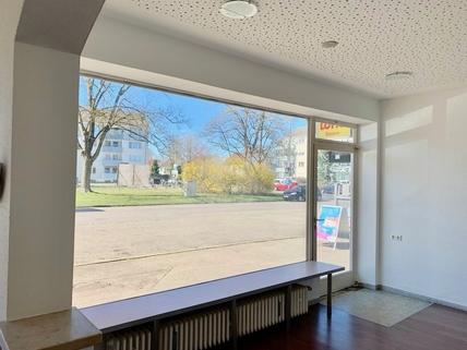 angenehme Lage Großzügige Verkaufsfläche in Königsbrunn