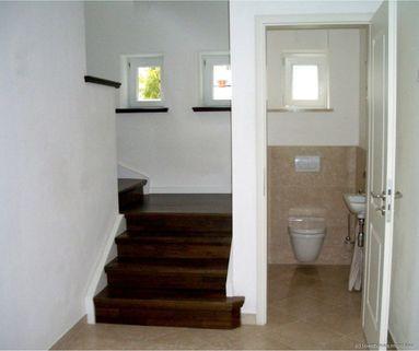 Gäste WC Haus im Haus mit Altbaucharme und Gartenanteil - komplett renoviert - schöne Lage / Menterschwaige