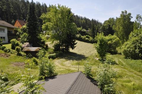 Blick über den Grund Rohdiamant mit großen Garten