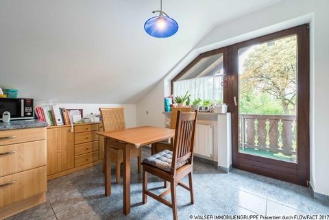 Essen WALSER: Seltene Gelegenheit: Außergewöhnliche 3-Zimmer-Dachgeschoß-Wohnung im Zweifamilienhaus