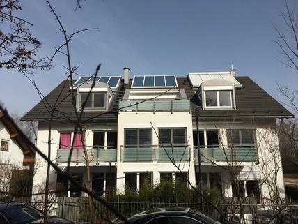 Wohnung 1. OG links Mit Blick in den Park: Helle 3-Zi-Wohnung im 1.OG mit EBK, 2 Bäder und 2 große Balkone!