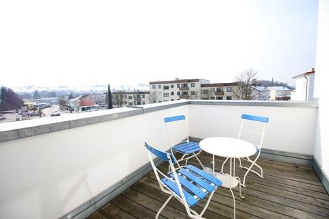 Terrasse im Dachgeschoss Neuwertige DHH mit sehr gutem Energiestandard