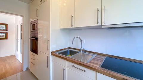 Küche Hochwertig ausgestattete Balkonwohnung