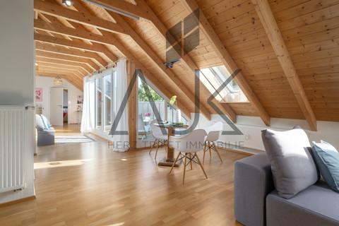 Living zur Terrasse großzügiges MansardenUNIKAT mit 2 Schlafzimmern auf ca. 92 qm im grünen Untermenzing