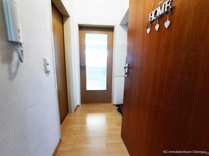Eingnagsbereich Kapitalanlage! Sonnig gelegene 1 Zimmer-Wohnung mit EBK in Traunstein!