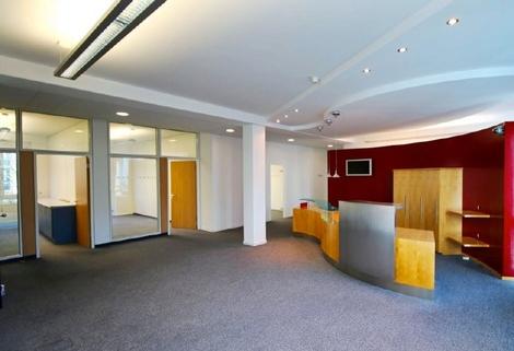 Empfang STOCK - PROVISIONSFREI - Schöne, neuwertige Büros in Ismaning