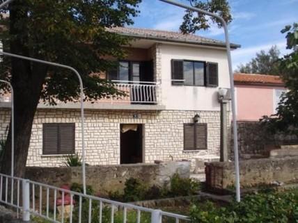 PRHR0002_mvc-001f.jpg Schönes Einfamilienhaus in Omisalj, Kroatien