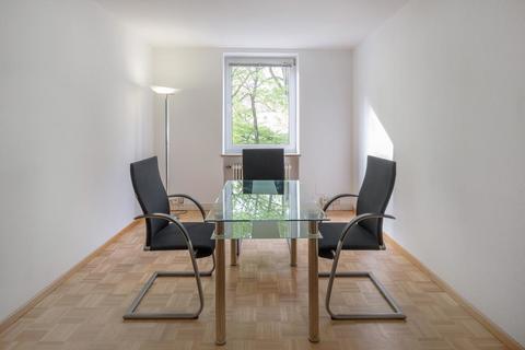Besprechungsraum Mieterprovisionsfrei: Büro mit 2 Arbeitsplätzen in zentraler MÜNCHEN-CITY-LAGE in Businesscenter an der ISAR