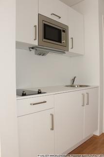 Moderne weiße Einbauküche Tolles Galerie-Apartment im STUDIOSUS 5 *** Für Studis + Azubis