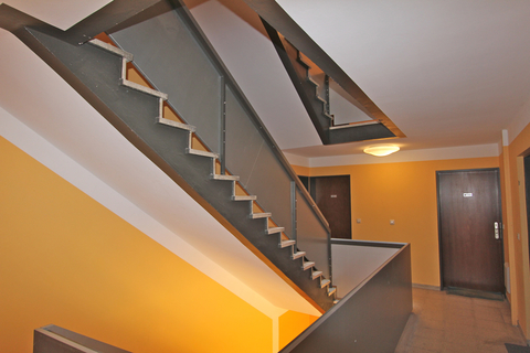 Treppenhaus Top Lage - Isarvorstadt, City-Nähe, schönes 1-Zimmer-Apartment
