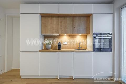 Küche Erstbezug! Modern und exklusiv möbliertes 1-Zimmer-Apartment mit Balkon in Harlaching