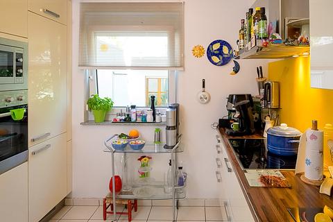 Küche Krailling: Schöne DHH mit hochwertiger Ausstattung in ruhiger Lage zu verkaufen